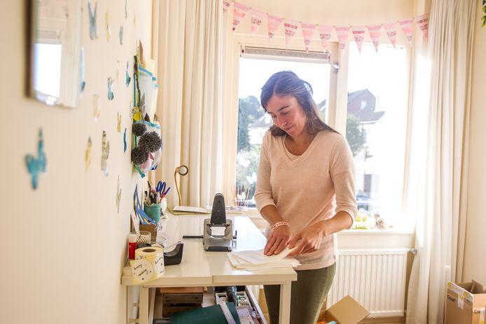 Sofie Heleen van Hapert maakt haar boeken zelf, van tekst tot kaft.