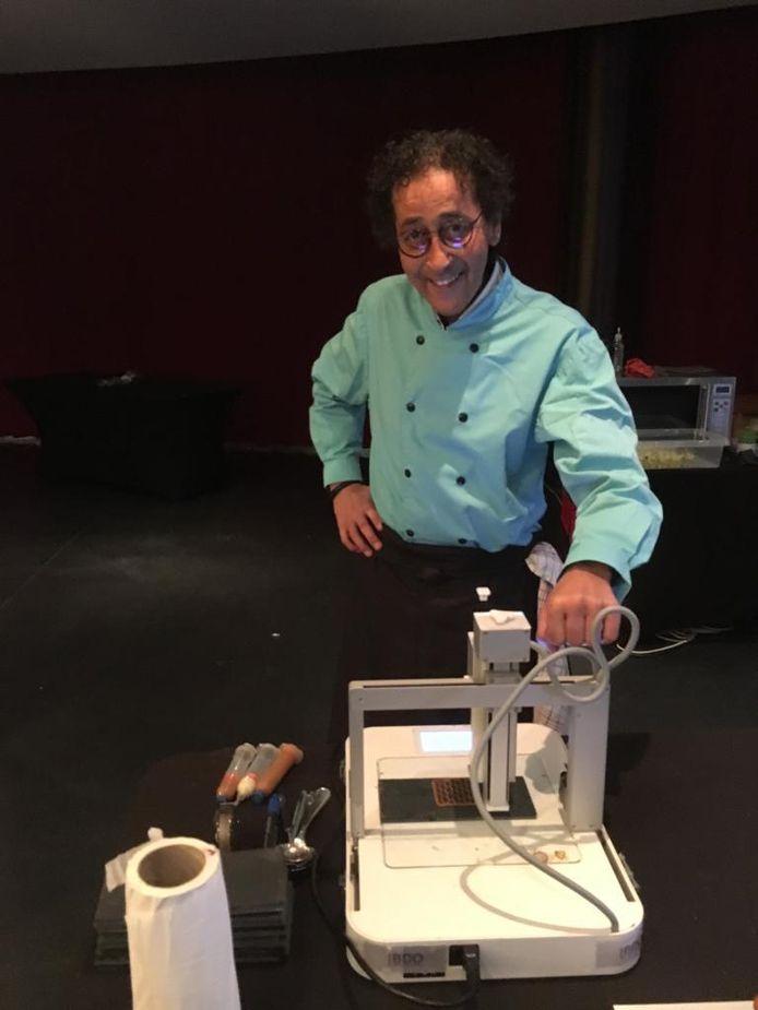 Moke Karamoui maakte in maart nog 120 desserts met een 3D-printer voor rusthuis Ter Nethe in Hulshout.
