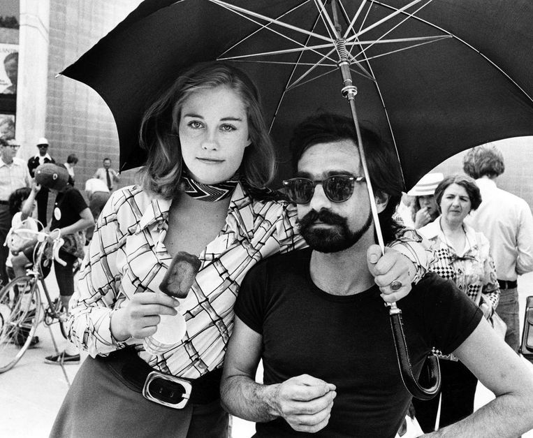 Cybill Shepherd en Martin Scorsese tijdens de opnamen van Taxi Driver. Beeld null
