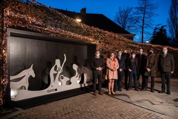 De Zeelse geloofgemeenschappen zenden een boodschap van vrede en samenhorigheid uit bij de onthulling van de nieuwe kerststal.