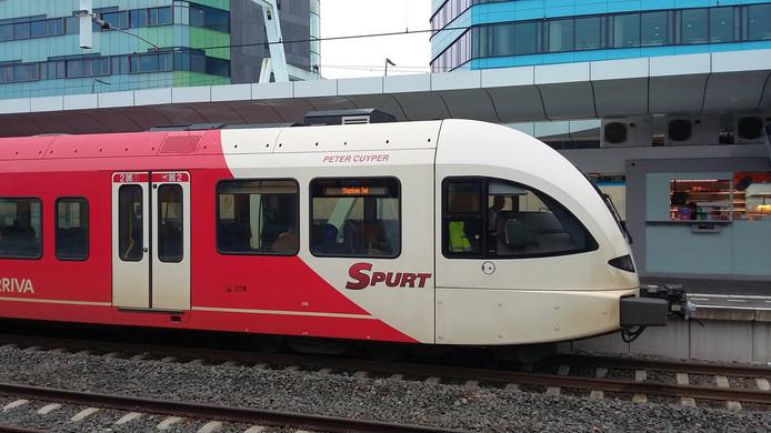 Een stoptrein van Arriva op station Arnhem.
