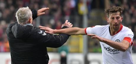 Aanvoerder verliezend Frankfurt werkt coach Freiburg naar de grond