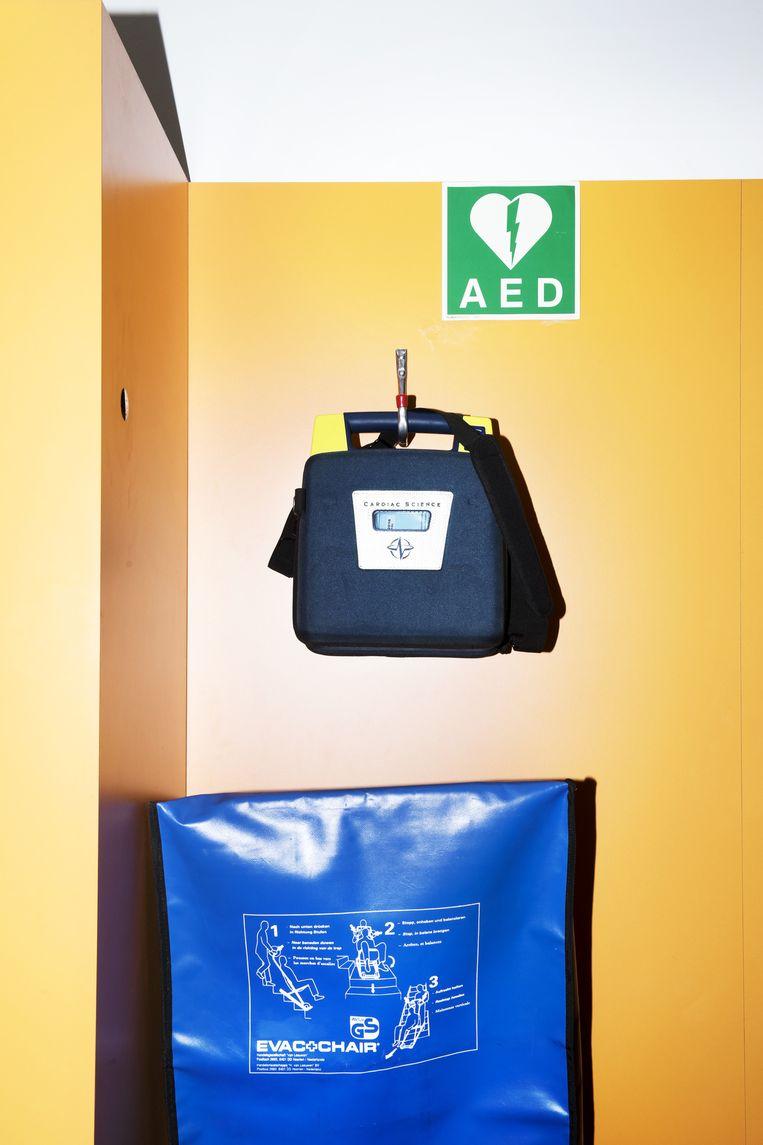 AED's (automatische externe defibrilators) op (semi-)openbare plekken in Amsterdam. Beeld Sanne De Wilde