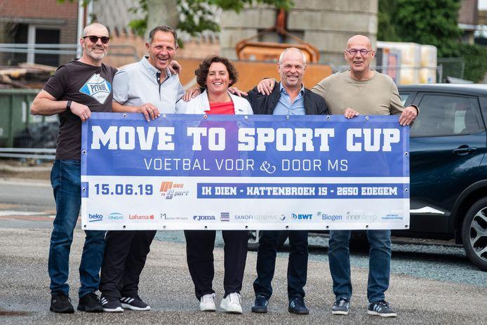 Pascal De Vos (MS-Stars), Nich Schippers (Beerschot), Annick Bogaerts (Move to Sports), Rudi Molinton (Berchem) en Paul Van Asch (voorzitter Move to Sport).