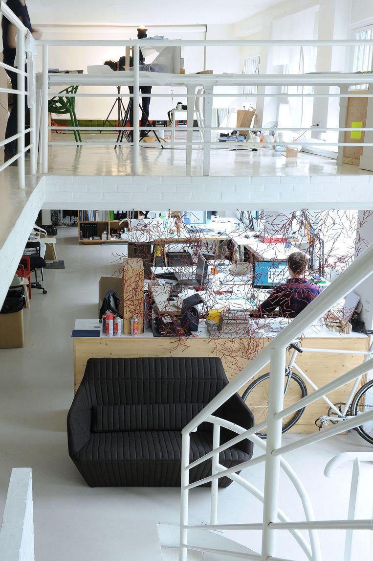 De studio van Bouroullec in Parijs. Beeld Morgane Le Gall