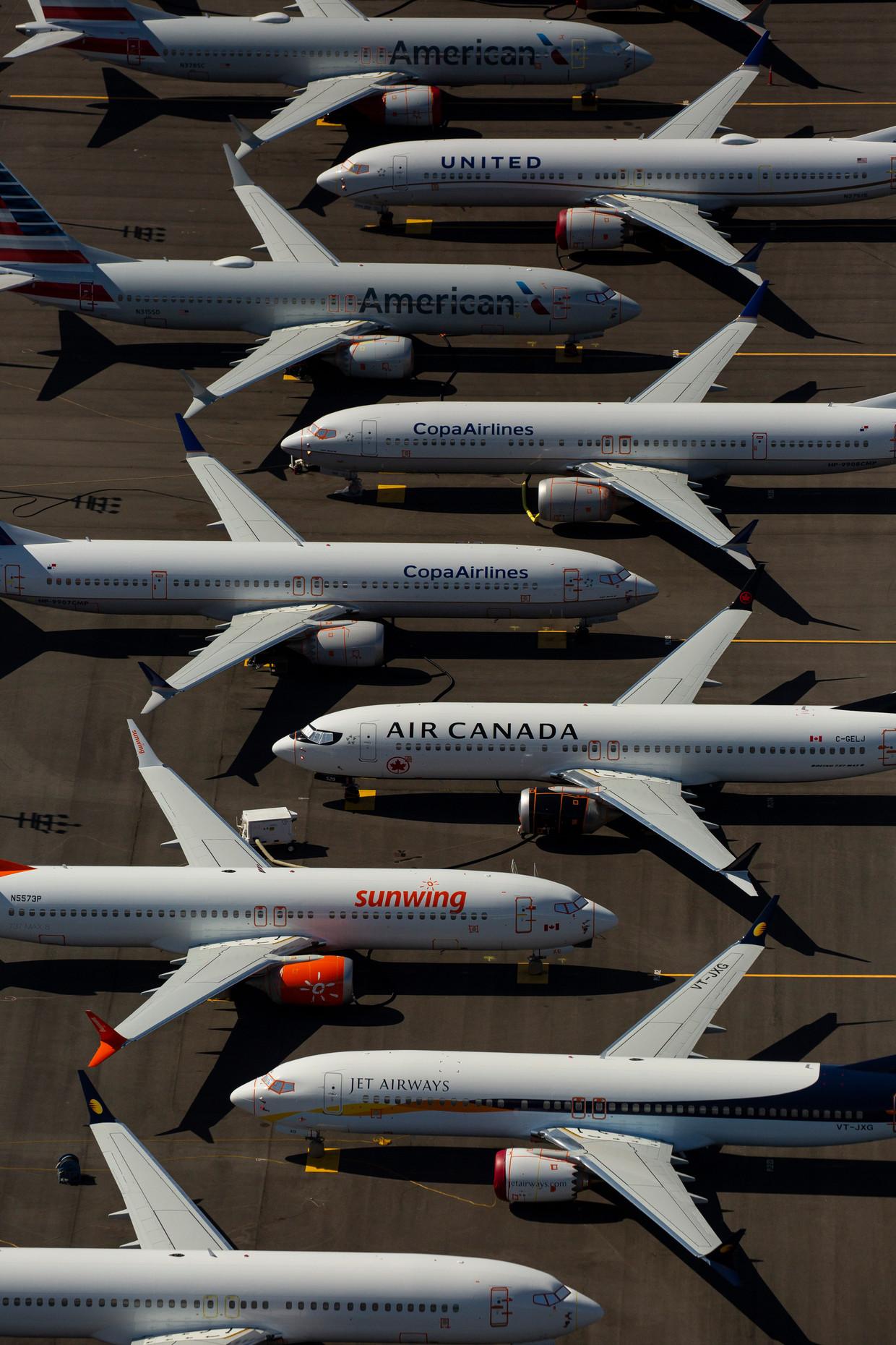 737 Max-vliegtuigen op een vliegveld in Seattle, waar Boeing toestellen stalt voor ze naar de klant gaan. Vanwege het vliegverbod blijven tientallen toestellen staan, waardoor Boeing ze nu noodgedwongen plaatst op de parkeerterreinen rond zijn fabriek in het nabijgelegen Renton.