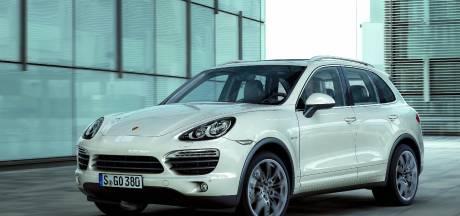 Echtpaar urenlang vastgehouden bij woningoverval in Hierden, daders vluchten in peperdure Porsche
