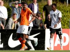 Heracles-speler Bakboord krijgt rood tegen Duitsland