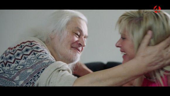 """In de documentaire 'Van Rossem' zagen de twee elkaar na 30 jaar terug. """"Ik zou zo weer verliefd kunnen worden"""", zei Jean-Pierre, en zijn hunkerende blik sprak boekdelen."""