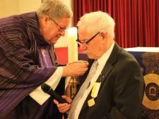 Pauselijke onderscheiding voor Jan Hesselink uit Overdinkel