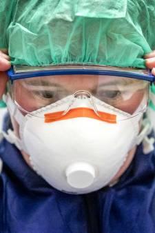 Toch een geruststellende blik of lach voor de patiënt: proef met doorzichtige maskers bij Erasmus MC