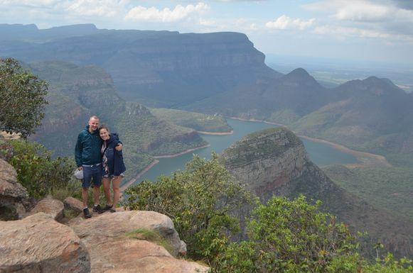 Thomas en zijn vriendin in Zuid-Afrika.