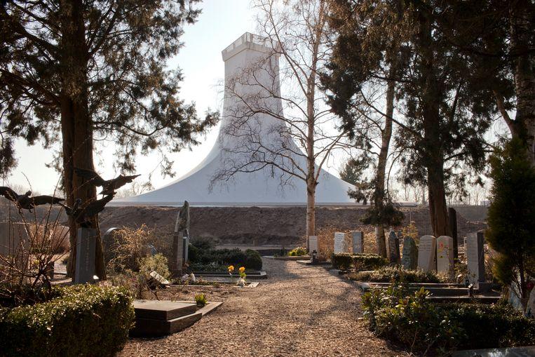 Het Crematorion op begraafplaats Zorgvlied.  Beeld Roy Del Vecchio