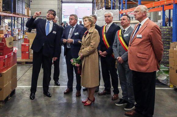 Prinses Astrid bezoekt De Voedselbank en Food Act 13 in Kuurne