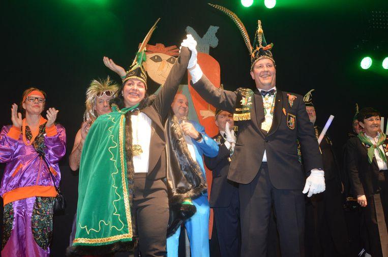 Prins Chena en Karnavalraadvoorzitter Pascal Carael, die haar aanstelde als prins.