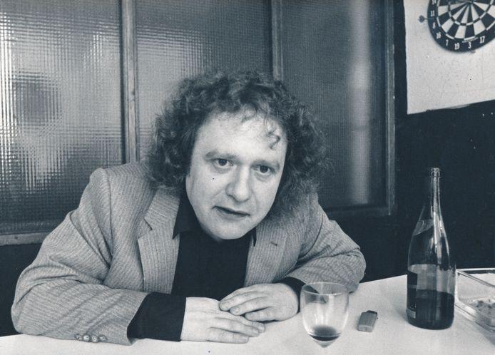 Johnny van Doorn (alias Johnny the Selfkicker), Arnhemse schrijver, dichter en voordrachtskunstenaar.