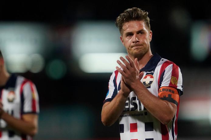 Jordens Peters van Willem II kent de weg in het spelershotel van Willem II.
