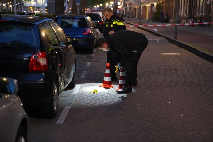 De politie doet onderzoek na een schietpartij aan de Putselaan.