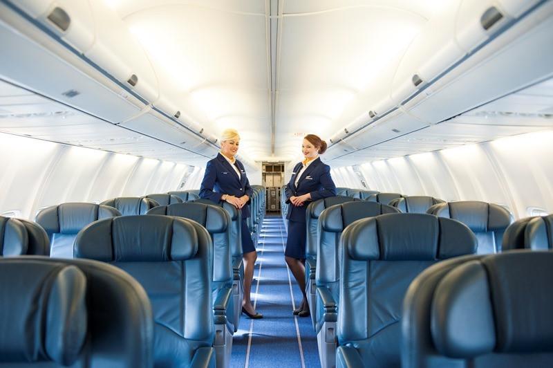 Het interieur van de privéjet van Ryanair. Personeel wordt meegeleverd.