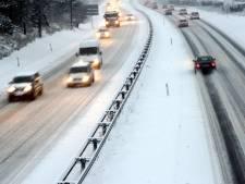 Sneeuwresten zorgen voor gladde wegen
