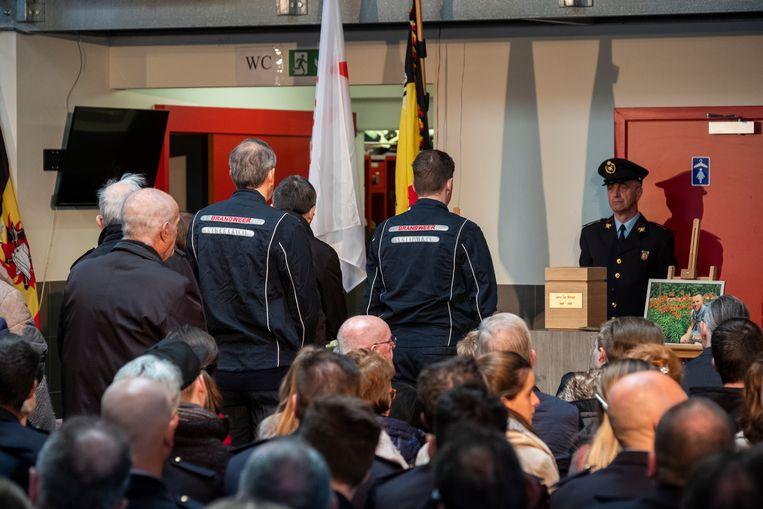 De begrafenis van de populaire brandweerman Jens De Winter.
