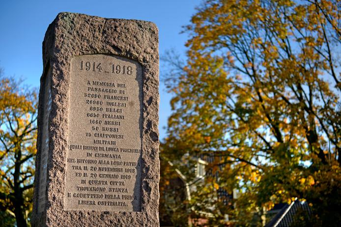 Monument dat herinnert aan de krijgsgevangenen die na WO1 in Enschede zijn opgevangen. De aantallen worden op het monument vermeld. Het monument staat op de hoek van de Cort van der Lindenlaan en de Goolkatenweg.
