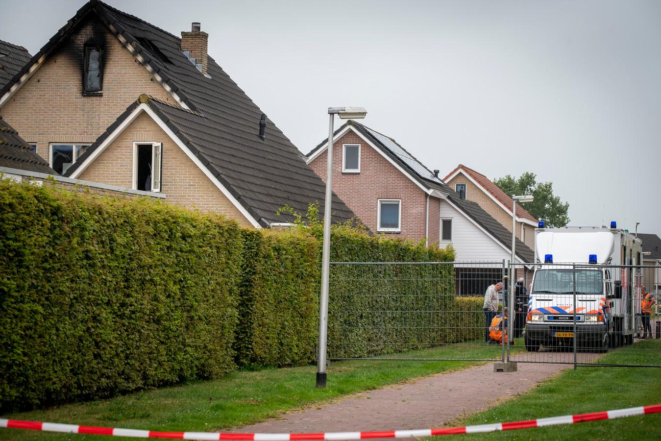 Bij de woningbrand in Nieuwleusen kwam een 22-jarige man om het leven.