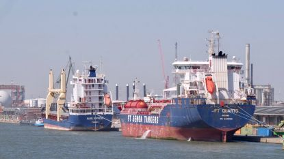 Italiaans 'coronaschip' is na lange quarantaine uit Antwerpse haven vertrokken