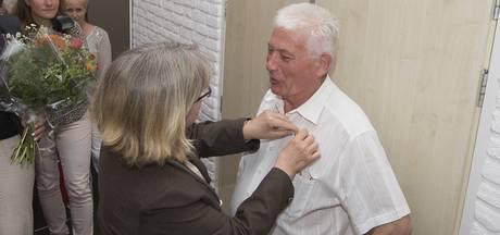 'Vrijwilliger in hart en nieren' Gerrit Leunk uit Markelo onderscheiden bij afscheid