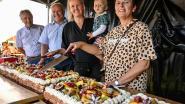 Bewoners genieten van taart en activiteiten tijdens 25-jarig bestaan cultureel centrum