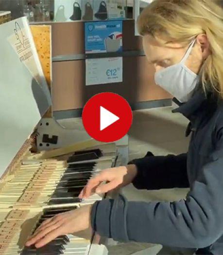 Video van de Dag | Relschoppers of niet: in deze gehavende piano zit nog altijd muziek