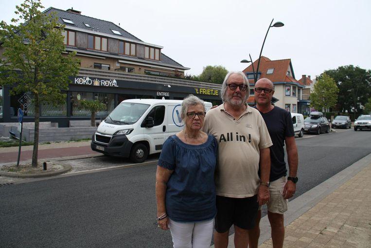 De bovenburen van bar Koko Royal, Marie-Thérèse Lapouter en René Decorte klagen over geluidsoverlast. Ook buurtbewoner Marc Van Hoorebeeck ondervindt hinder.