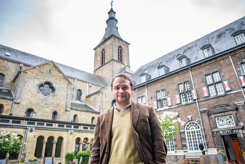 De Maastrichtse SP-voorzitter Bram Pulles  in het seminarie van Rolduc.