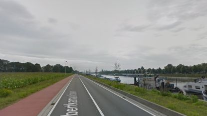 Twee gewonden bij kettingbotsing met drie voertuigen