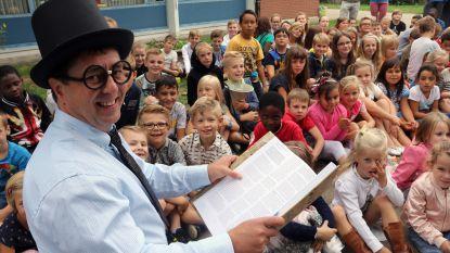 230 kinderen openen gedichtentuin in De Boomgaard
