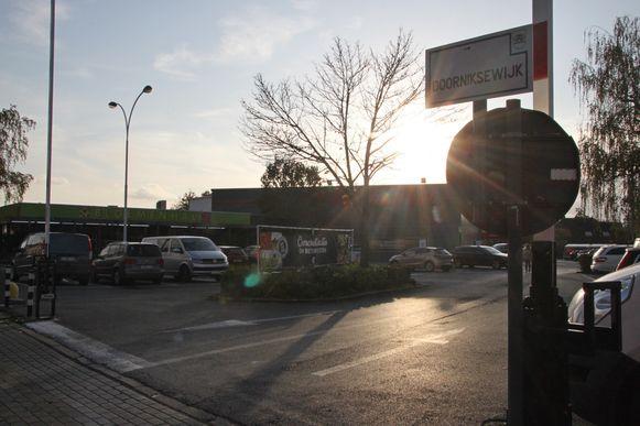 De parking van Carrefour en De Bloemenhal.
