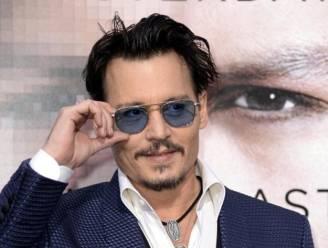 Johnny Depp probeert van drank af te blijven