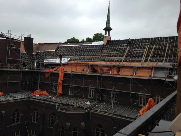 Koningsoord staat in de steigers. Het dak wordt ook vervangen.