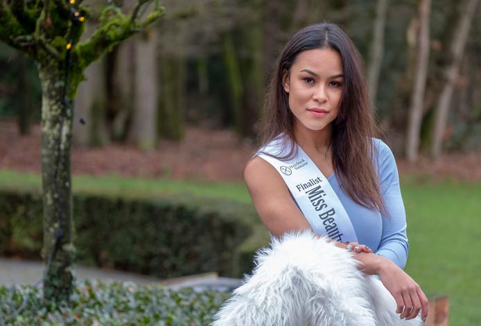 Charmaine Gemin is finalist de Miss Beauty verkiezing van Gelderland 2020. Mocht deze winnen gaat ze naar de landelijk miss verkiezing.