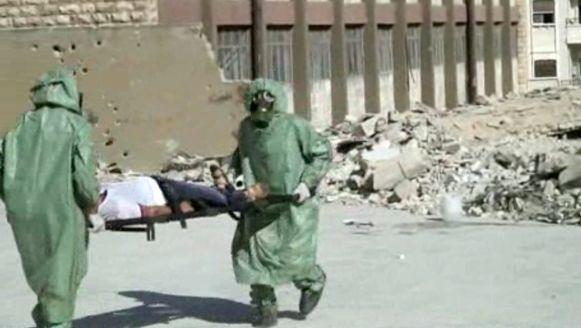 Archiefbeeld van een oefening na een gesimuleerde gasaanval in Aleppo.