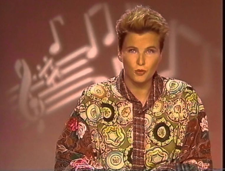 Anita Witzier in de jaren 90 als omroepster van Veronica Beeld YouTube/Veronica