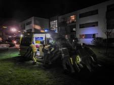 Brandweer schiet vastgereden ambulance te hulp in Aarle-Rixtel