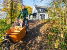 Ouders Carolus waarschuwen: 'Een trap met fietsgoot is niet te doen met kinderen'