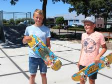 Jeugd Benthuizen heeft eigen skatebaan dankzij actie van broers Nanne (14) en Kos (11)