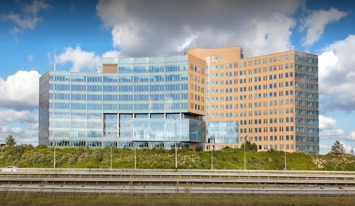 The Mark, een groot kantoorgebouw langs de A16, heeft een nieuwe eigenaar.