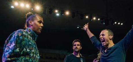 Coldplay présente son nouvel album lors d'un concert avec Stromae