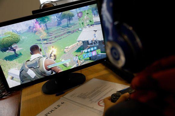 Een Fortnite-speler in actie.