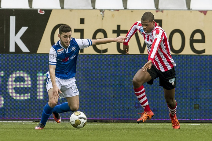 Alessio Carlone vorig seizoen in actie tegen Sparta.