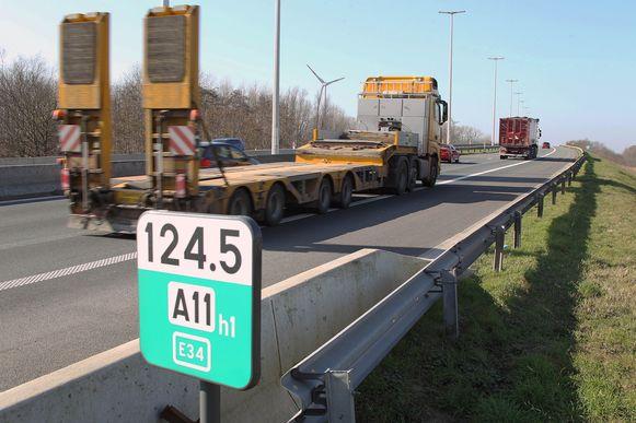De brug van de N49/E34, op de grens van Eeklo met Maldegem, wordt vernieuwd.