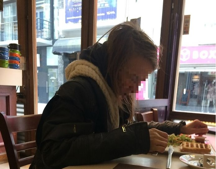 Nadine W. toen ze zoals vaker een croque monsieur ging eten zonder betalen